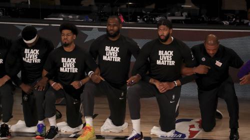 """Etats-Unis : la star du basket LeBron James se """"fiche éperdument"""" des critiques de Trump"""