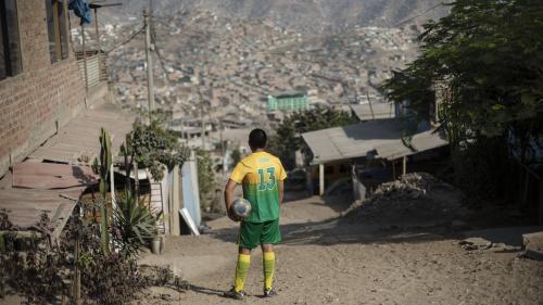 Coronavirus : le gouvernement péruvien suspend les matchs de football dès le premier jour de la reprise du championnat