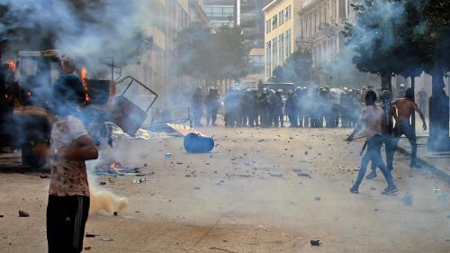 "VIDEO. Liban : des milliers de manifestants protestent contre la classe politique ""corrompue"""