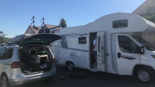 """""""Ça fait des années qu'on a envie de le faire"""" : des familles de plus en plus nombreuses à faire le choix de vacances en camping-car"""
