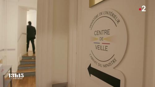 VIDEO. Dans le centre de veille du ministère de l'Intérieur, le cœur du cœur du suivi d'événement opérationnel 24 h/24