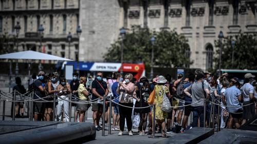 Coronavirus : près de 2 Français sur 3 se disent pour le port du masque à l'extérieur