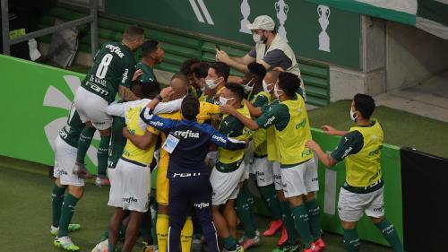 Au Brésil, le championnat national de football reprend malgré l'épidémie de coronavirus
