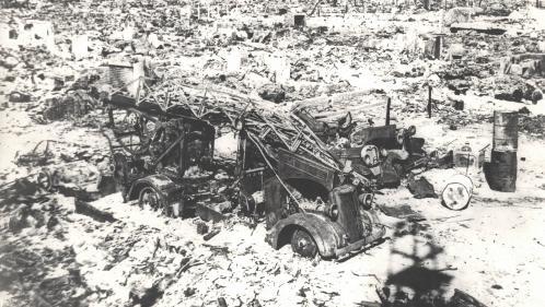 """Image de couverture - Bombardement d'Hiroshima et de Nagasaki : """"75 ans plus tard, il est toujours nécessaire de rappeler que cela a bien existé"""", explique l'auteur Laurent-Frédéric Bollée"""