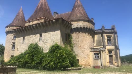 Un été en France. Le château de Marzac en Dordogne