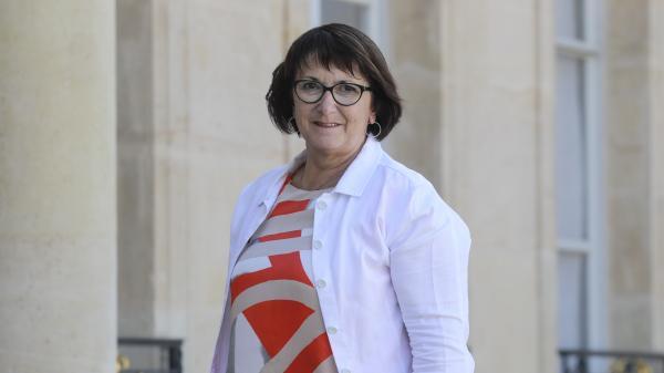 """Aides aux agriculteurs :""""Un bon premier pas"""", réagit Christiane Lambert, présidente de la FNSEA"""