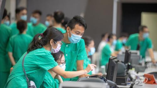 Coronavirus : des chercheurs de Hong Kong disent avoir découvert un premier cas de réinfection