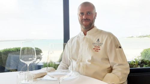 """Ils ont fait l'actu. Christopher Coutanceau, chef-cuisinier 3 étoiles au Guide Michelin : """"Depuis tout petit, on en rêve et mon papa avait deux étoiles"""""""