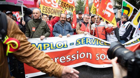 Manifestation à l'appel des organisations syndicales contre la réforme des retraites et les suppressions d'emploi, et pour la défense des services publics à Paris, le 24 septembre 2019.