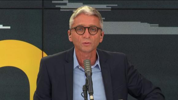 Jean-François Achilli présente les informés de franceinfo.