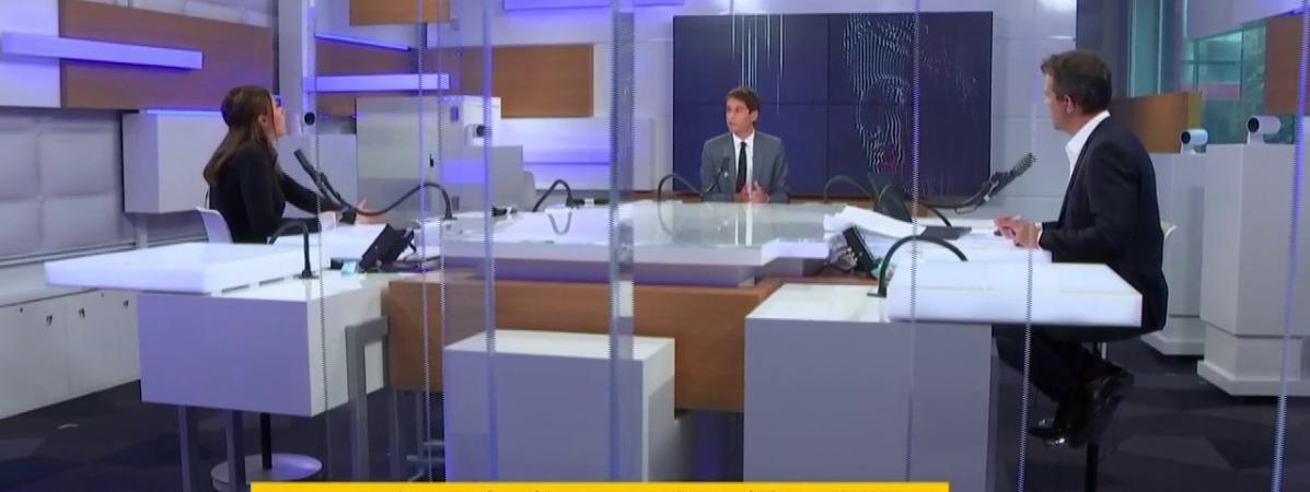 """Le porte-parole du gouvernement Gabriel Attal, invité sur le plateau du \""""8h30 de franceinfo\"""", le 1er septembre 2020."""