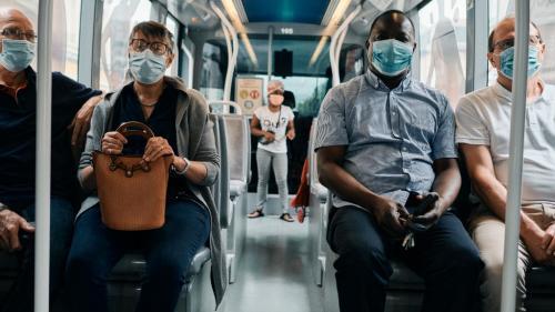 Coronavirus : le port du masque brouille la communication