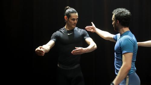 Uruguay : le footballeur Edinson Cavani fait la promotion de la danse classique pour les garçons