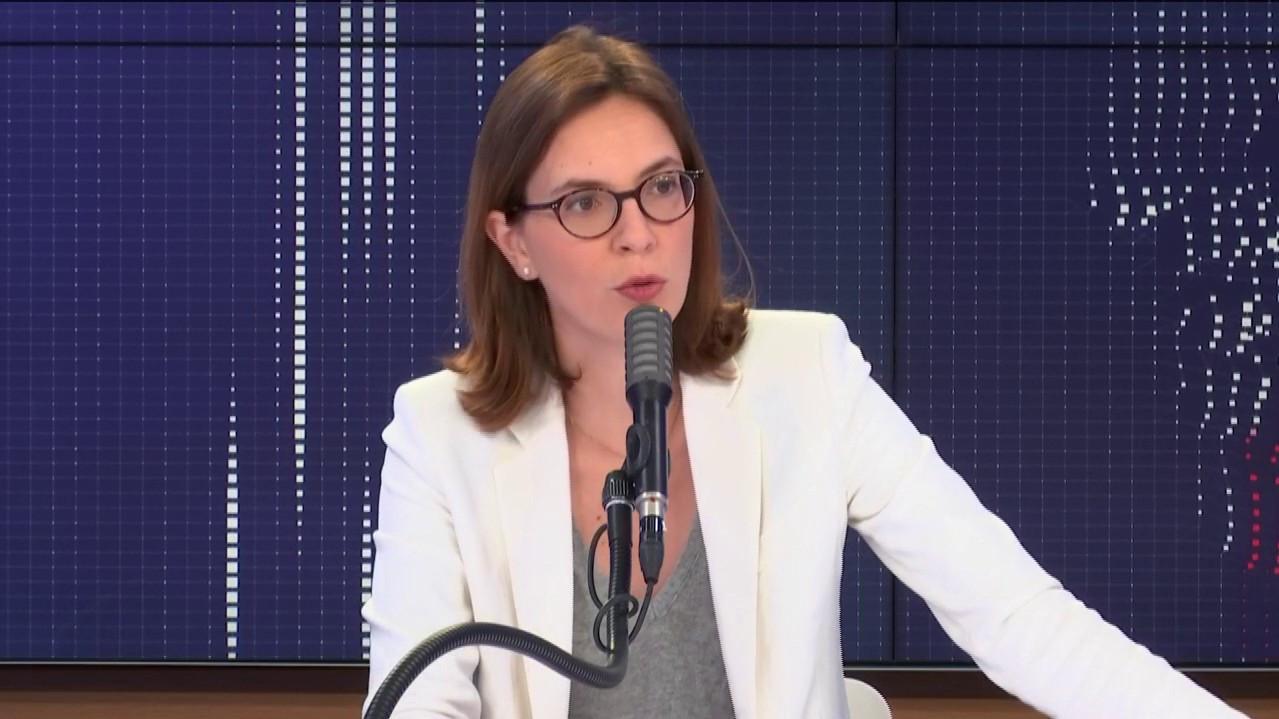 """VIDÉO. 5G : Amélie de Montchalin dit """"oui à un débat"""" et estime qu'il n'y a """"aucun mépris"""" dans les propos d'Emmanuel Macron moquant le """"modèle Amish"""""""