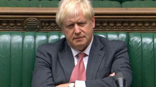 Royaume-Uni : face à la propagation du coronavirus, Boris Johnson hausse le ton