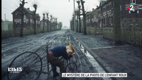 """VIDEO. La photo de l'enfant au vélo, dont le mystère a été levé, """"referme d'une certaine manière la page de l'époque des mines"""""""
