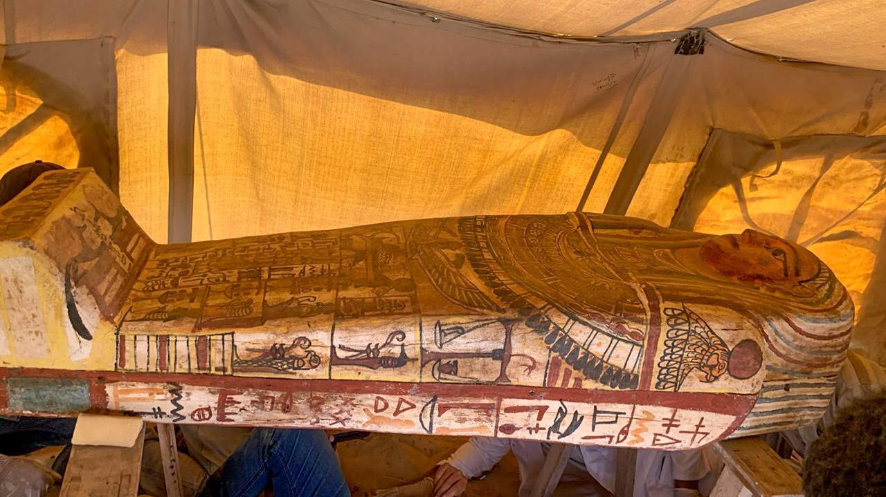 Archéologie : 14 nouveaux sarcophages découverts à Saqqara en Egypte