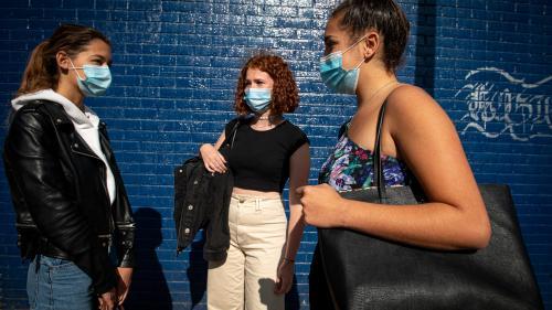 Les règlements intérieurs de certains établissements au sujet des tenues vestimentairesont déclenché la colère et la révolte de collégiennes et lycéennes.