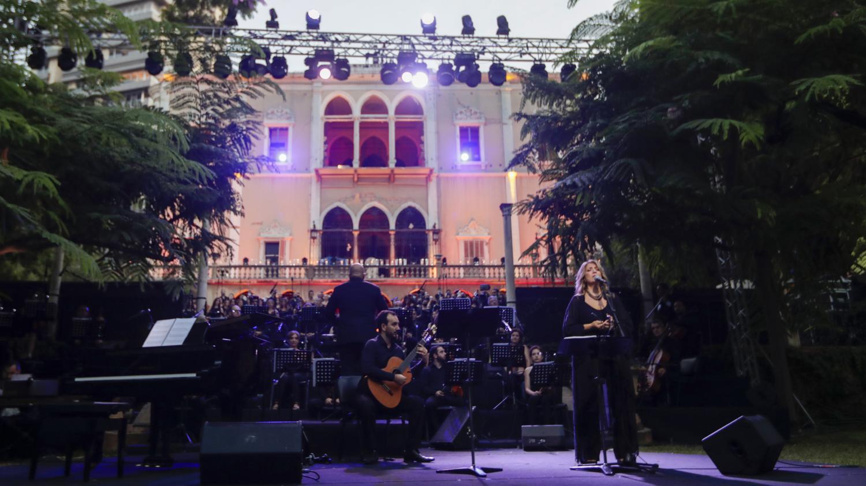 A Beyrouth, un concert en hommage aux victimes s'est tenu dimanche dans un palais dévasté par l'explosion
