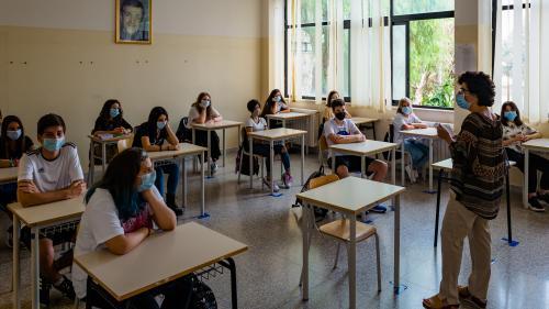 Covid-19 : pourquoi l'Italie n'est-elle pas aussi touchée par le rebond épidémique que ses voisins ?