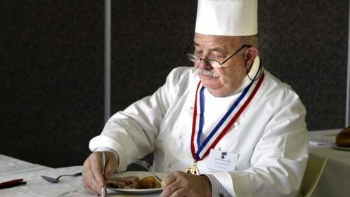 Le chef trois étoiles Pierre Troisgros, père du fameux saumon à l'oseille, est mort à 92 ans