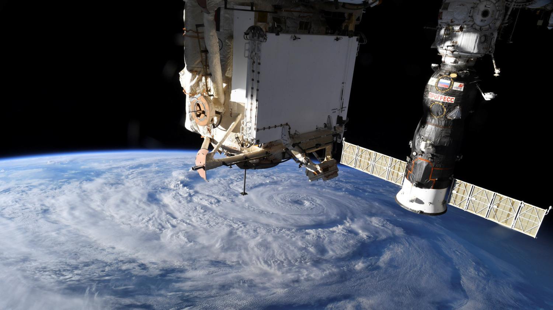 La Station spatiale internationale a dû manœuvrer pour éviter une possible collision avec un débris