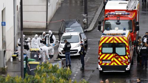 """RECIT. """"Elle était ensanglantée, hurlait"""" : devant les anciens locaux de """"Charlie Hebdo"""", le cauchemar ressurgit"""