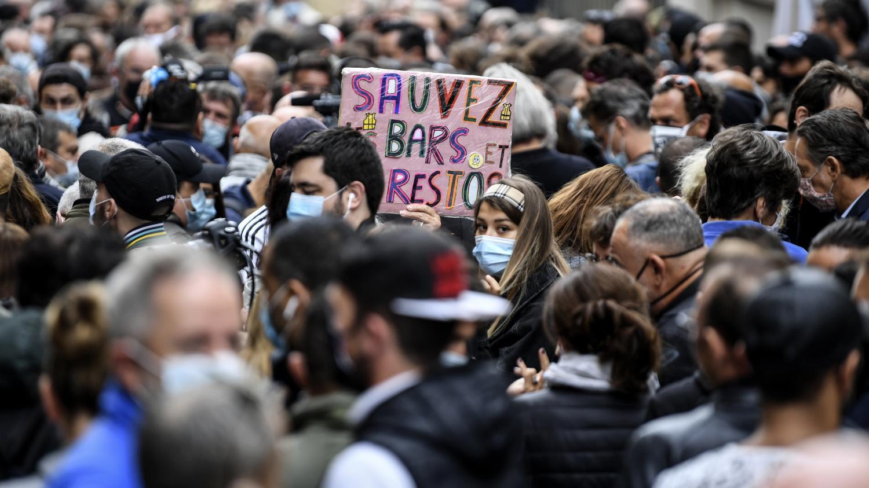 """Covid-19 : l'Umih Bouches-du-Rhône """"déconseille"""" aux restaurateurs et cafetiers de rester ouverts mais promet de continuer à se battre"""