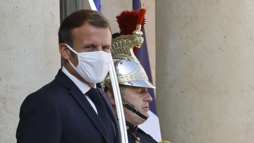 """Attaque de Paris: Emmanuel Macron prêt à """"réinterroger certains dispositifs"""" en cas de """"défaillances"""" révélées par l'enquête"""
