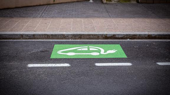A parking and recharging space for an electric vehicle, in Perpignan (Pyrénées-Orientales), May 16, 2020.