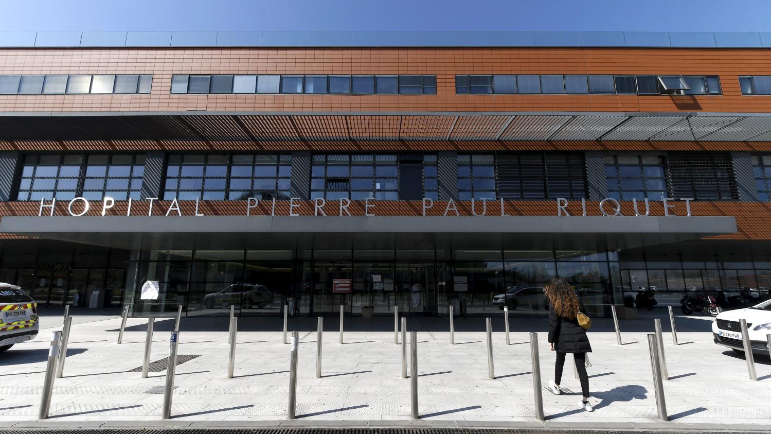 """""""Ce sont les mêmes patients qu'au mois de mars"""" : au CHU de Toulouse, l'afflux de patients atteints du Covid-19 inquiète les soignants"""