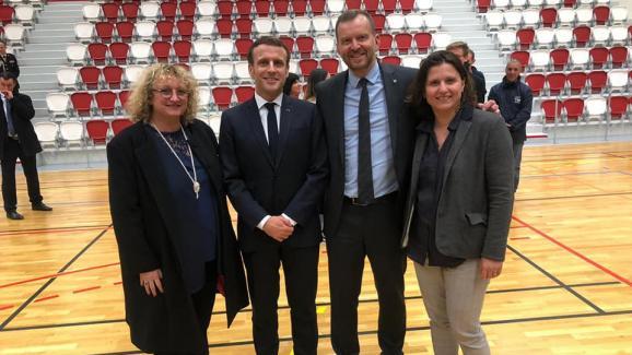 Franck Horter avec Emmanuel Macron, Roxana Maracineanu et Lara Million, candidate LREM aux municipales à Mulhouse, le 18 février 2020.