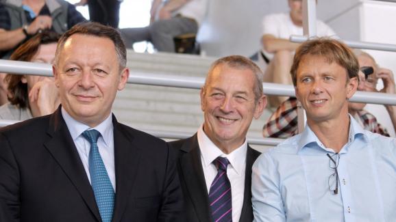 Lionel Horter (à droite), avec le ministre des Sports Thierry Braillard (à gauche), et le président de la Fédération française de natation, Francis Luyce, le 11 avril 2014.