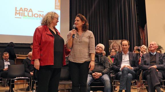 De gauche à droite, Franck Horter, Lara Million, Roxana Maracineanu, le député Bruno Fuchs (en chemise) et Laurent Horter, à Mulhouse, le 22 février 2020, lors de la campagne des municipales.