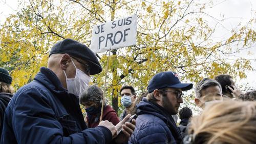 Assassinat de Samuel Paty : comment les professeurs abordent-ils l'enseignement moral et civique avec leurs élèves ?