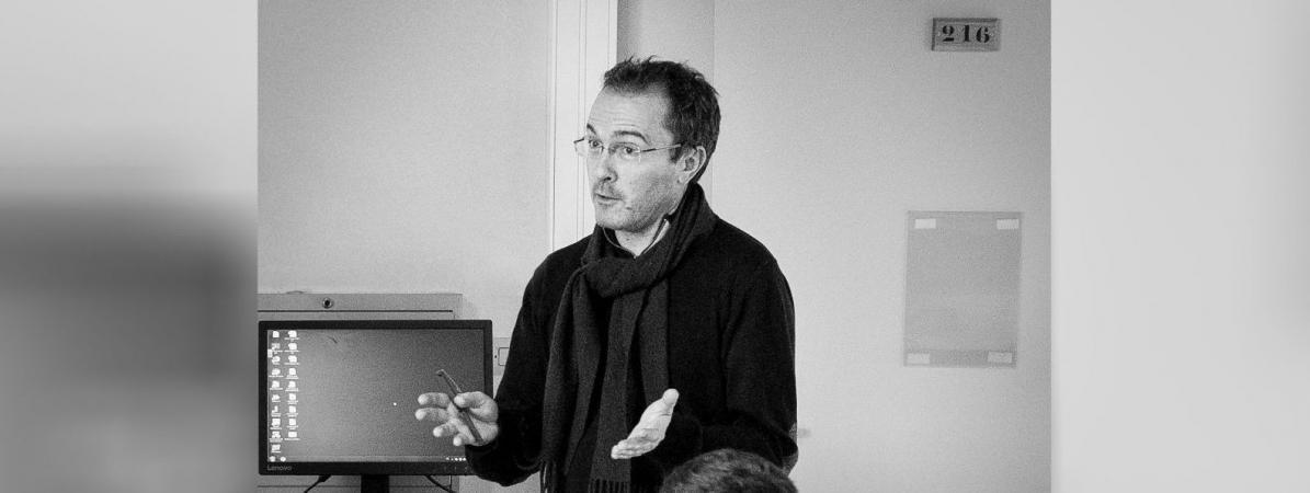 Samuel Paty, professeur d\'histoire-géographie, a été assassiné le 16 octobre 2020.