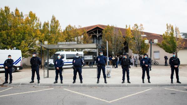DIRECT. Assassinat de Samuel Paty: sept personnes ont été déférées pour être présentées à un juge antiterroriste