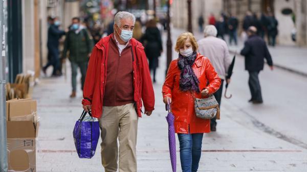 Eurozapping : l'Espagne durement frappée par une seconde vague de coroinavirus