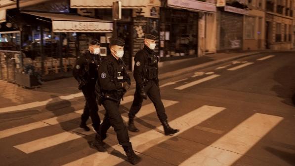 VRAI OU FAKE. Peut-on se baser sur un avis d'illégalité qui circule sur les réseaux sociaux pour enfreindre le couvre-feu ?