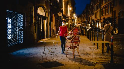 DIRECT. Covid-19: la France et l'Italie en partie sous couvre-feu, le pays de Galles et plusieurs villes du Portugal se reconfinent