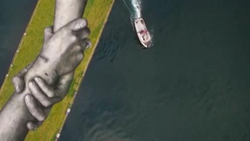 Image de couverture - Turquie :l'artisteSaypecontinue sa chaînehumaine à Istanbul