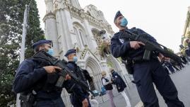 """Image de couverture - Attaque au couteau à Nice: à quoi correspond le plan Vigipirate """"urgence attentat"""" déclenché par le gouvernement?"""