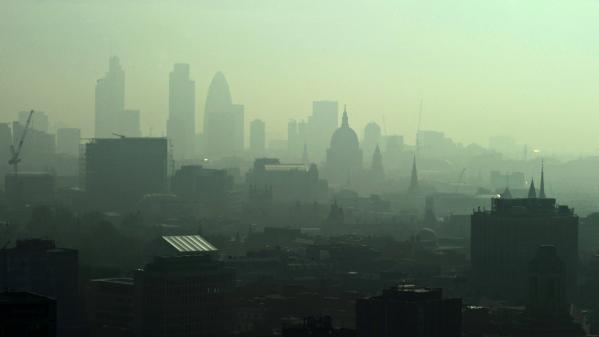Londres sous un brouillard de pollution : retour sur le 4 décembre 1952