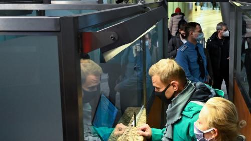 EN DIRECT. Russie : l'opposant politique Alexeï Navalny interpellé par la police à l'aéroport de Moscou