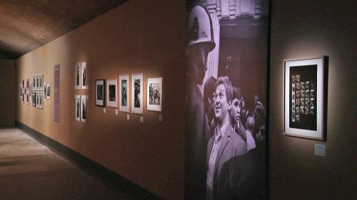 Image de couverture - Découvrez en vidéo la grande exposition du Cellier de Reims consacrée au photo-reporter Gilles Caron