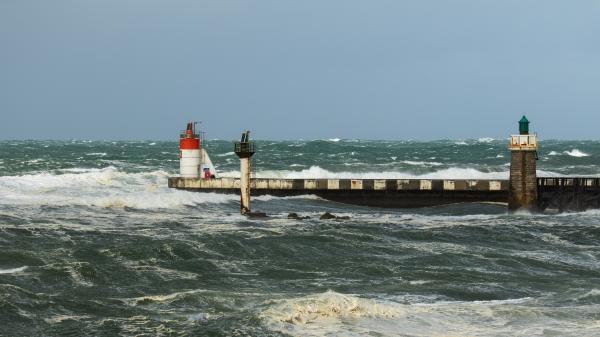 Météo : la Gironde, les Landes et les Pyrénées-Atlantiques placés en vigilance orange pour des risques de vents violents