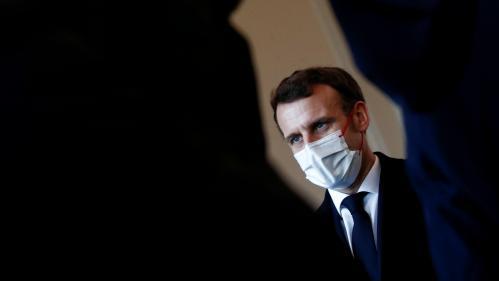 """Emmanuel Macron est-il """"cuit"""" ? : la théorie du """"trou de souris"""" pour 2022"""