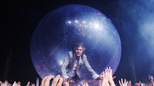 Image de couverture - Covid-19 : l'avenir des concerts est-il dans les bulles de distanciation ? Les Flaming Lips l'ont fait !