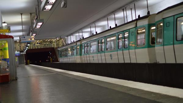 """Pollution dans le métro parisien : """"On a des seuils astronomiques, ce qu'on pourrait trouver à Pékin ou à New Delhi"""", dénonce le président de l'association Respire"""