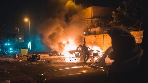 Liban : plus de 220 blessés dans des heurts entre policiers et manifestants opposés aux restrictions sanitaires